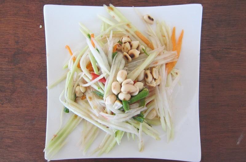 """""""Som Tam"""" (Papaya Salat)"""
