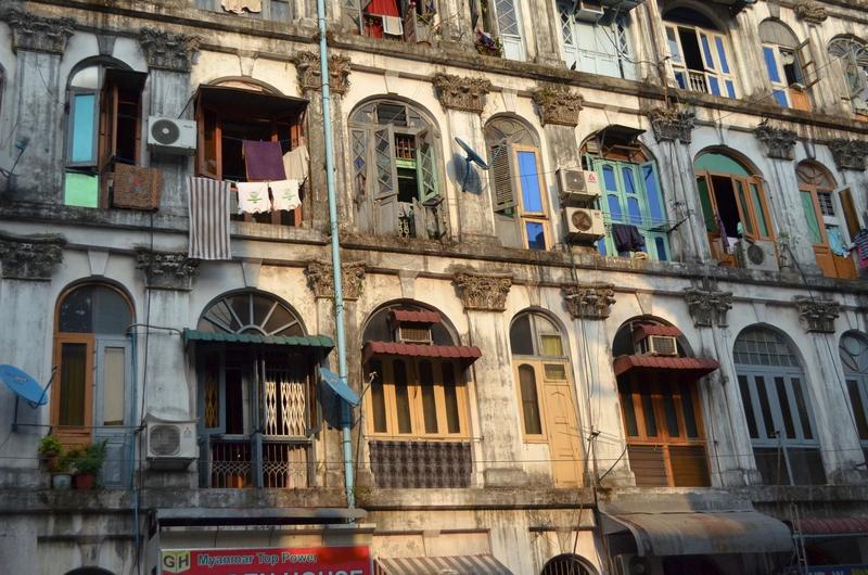 Häuserfassaden, Yangon